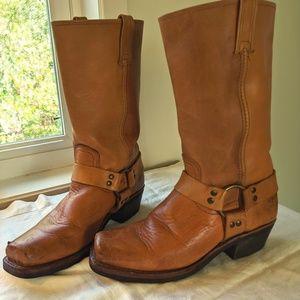 Frye Harness 12R boots 8.5 tan